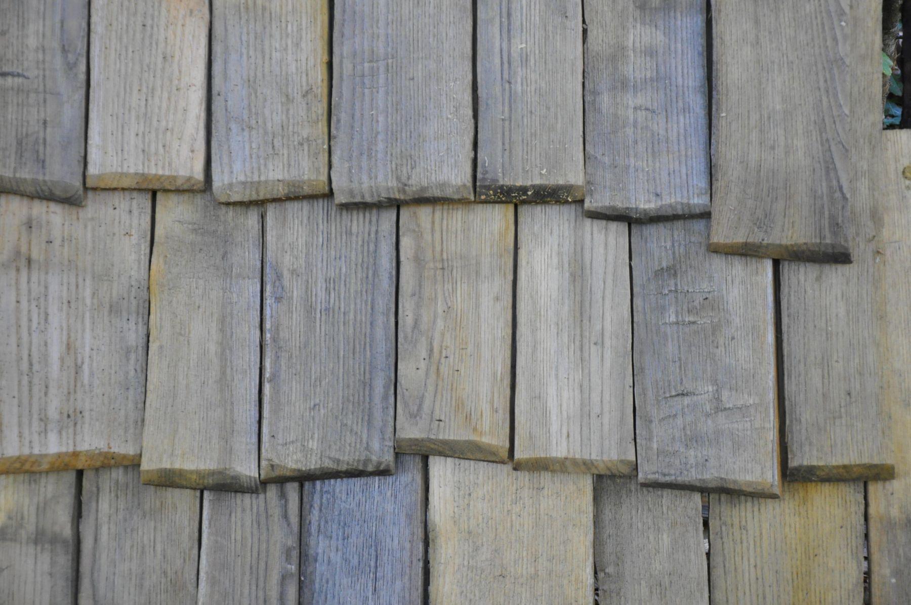 Randa Ardesca Archéosite d'Ardèche - Détail de toiture en bardeaux