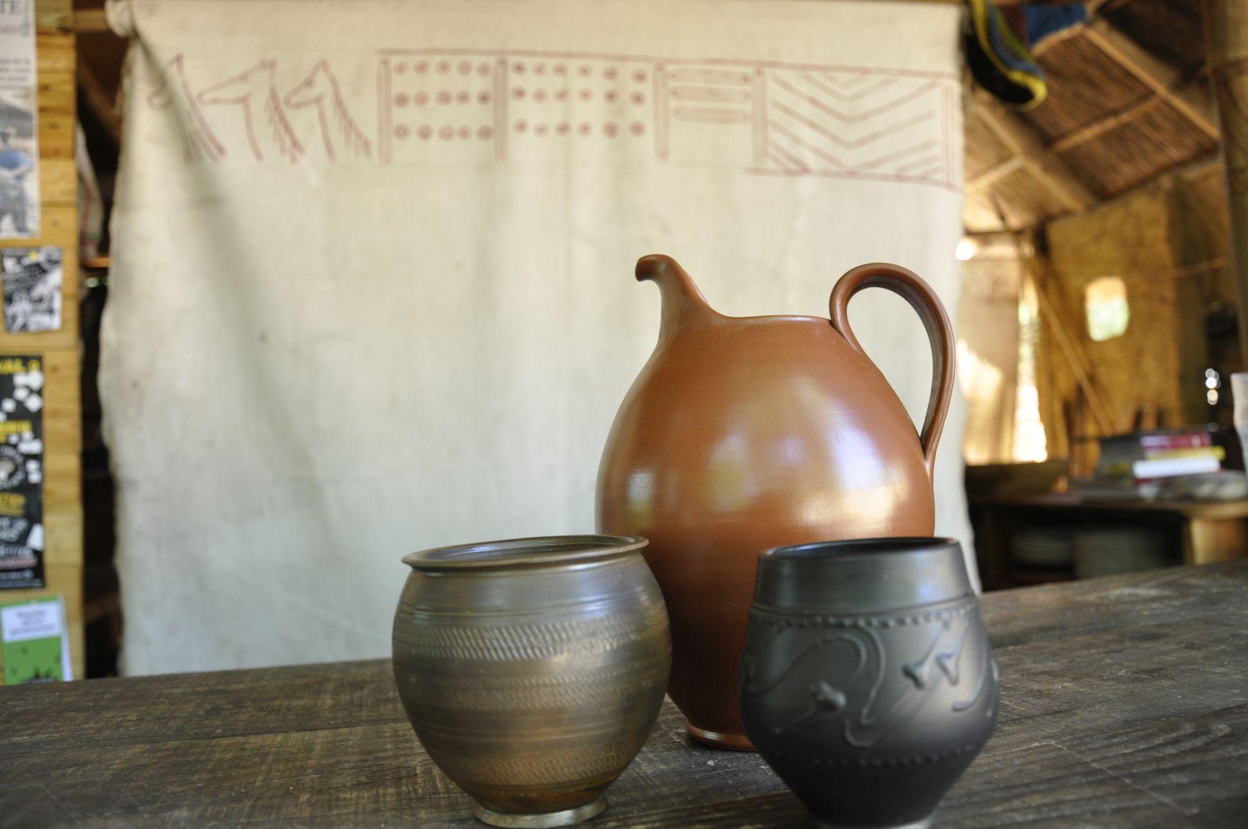 Randa Ardesca Archéosite d'Ardèche - Cruche et godets gaulois en terre cuite