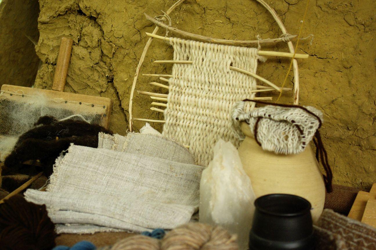 Randa Ardesca Archéosite d'Ardèche - Matières textiles